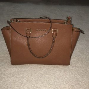 Michael Kors Hand Bag!